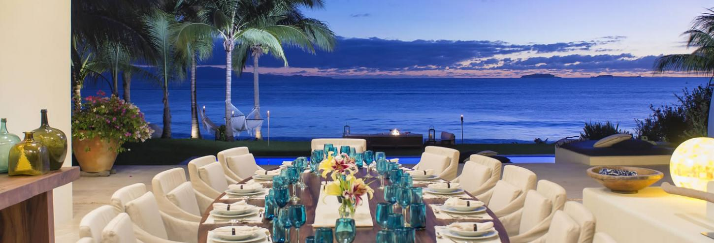 Luxury Rental Dining with an Ocean View