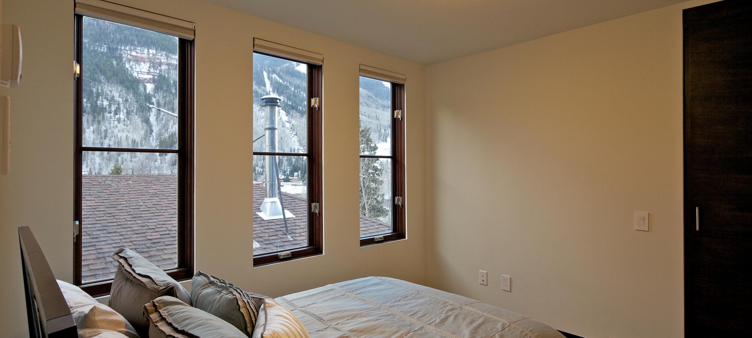 Telluride-rentals-north-willow-multiple-bedrooms