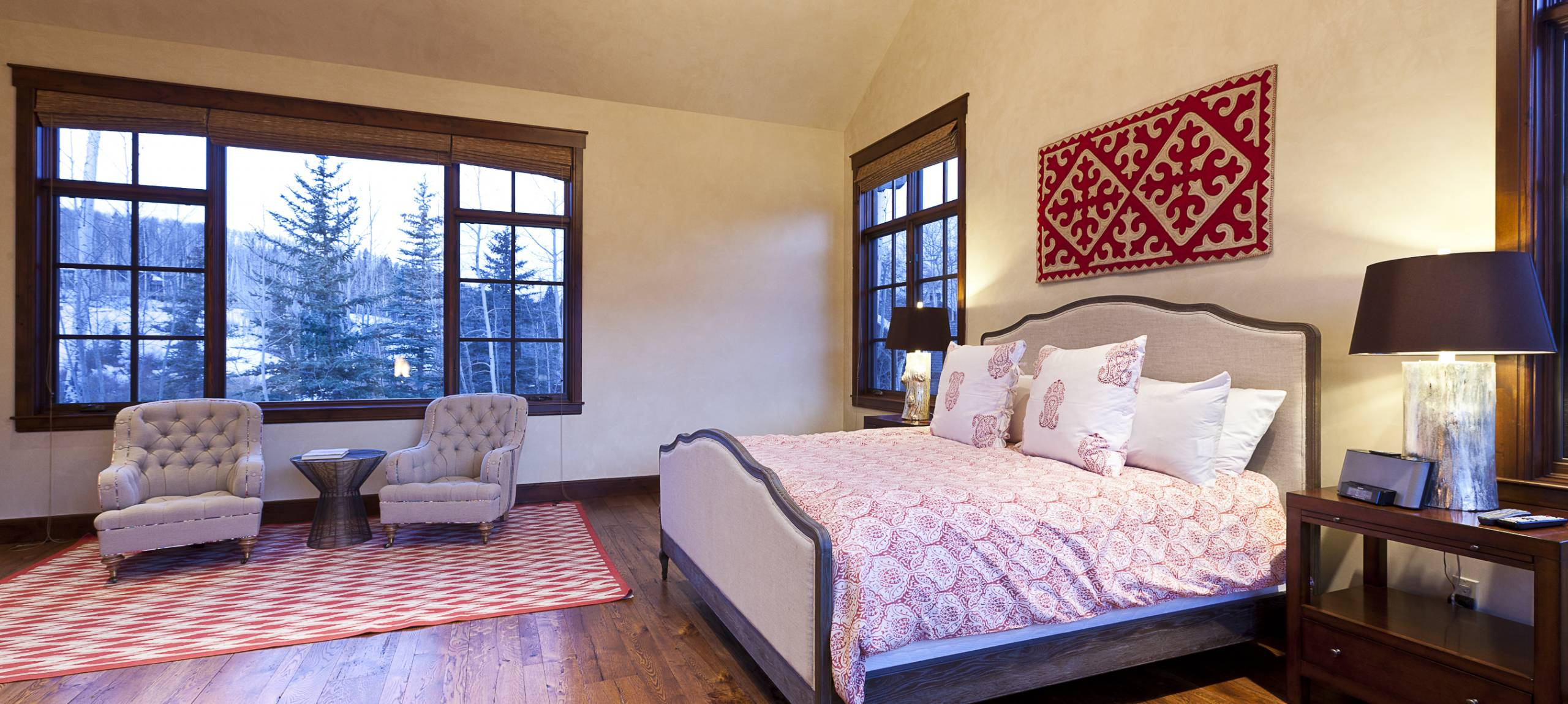 Telluride-Russell-Estate-King-Size-Bed
