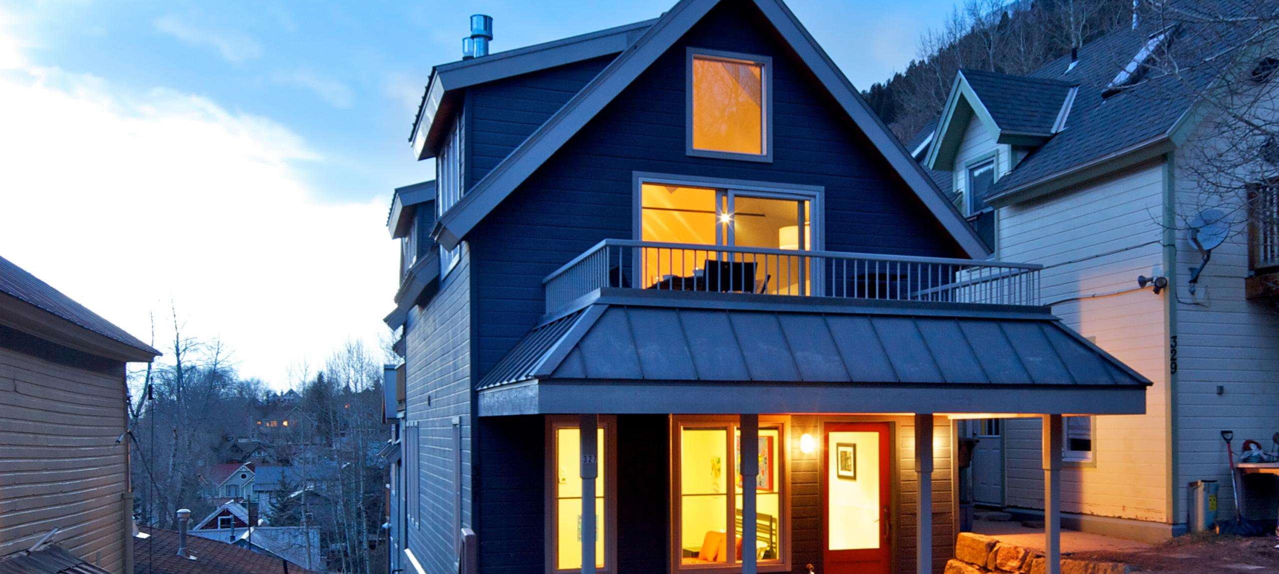 Telluride-rentals-north-willow-sunset-exterior