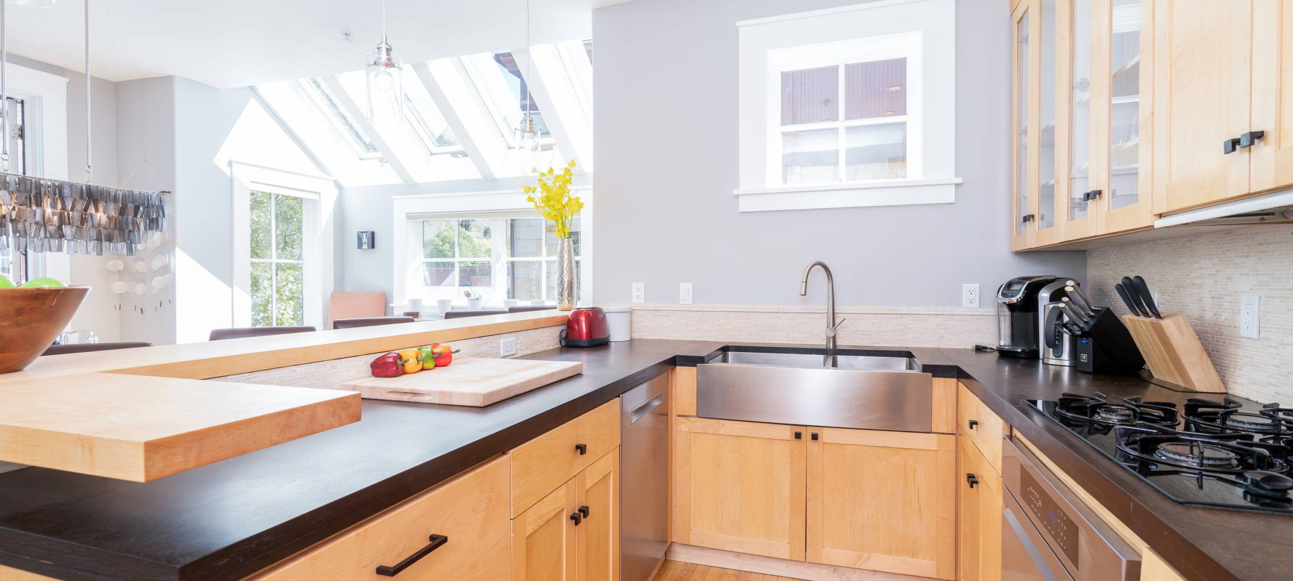 telluride-pacific-place-kitchen