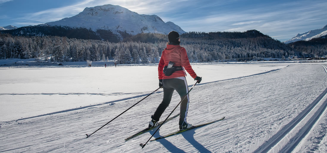 Woman nordic skiing in Telluride