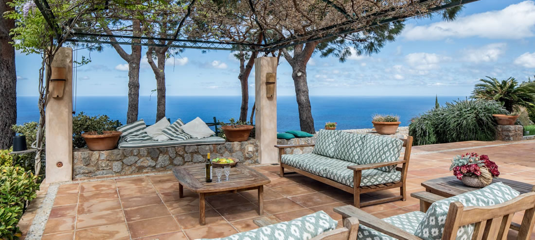 Outdoor patio at Buena Vista Luxury Rental in Mallorca