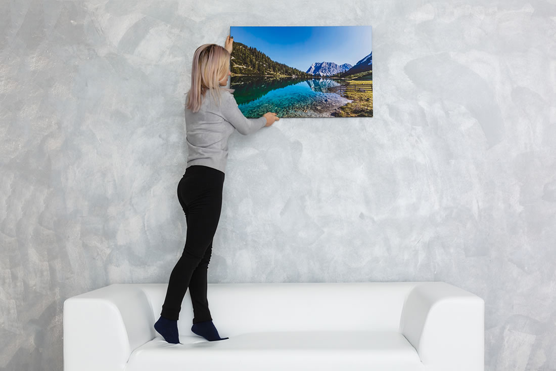 Decorating walls in Telluride luxury vacation rental