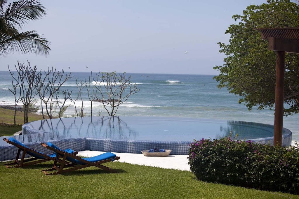 Villa Pacifica Pool and Waves