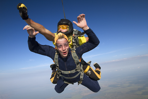 Tandem skydiving at high altitude