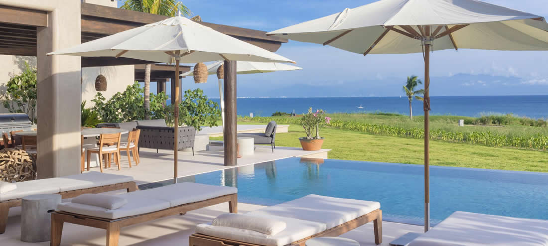 Villa Estrella luxury rental pool and ocean view in Punta Mita.
